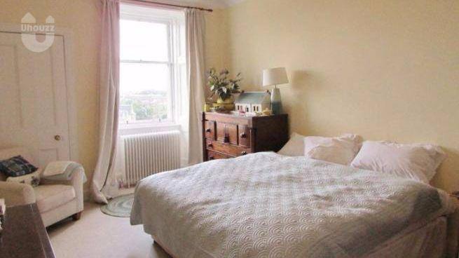 英国留学一般是住宿舍还是要在外租房? -异乡好居